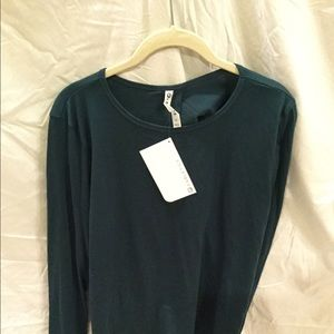 Fabletics l/s top, NWT, size M, nice style!, 5/$60